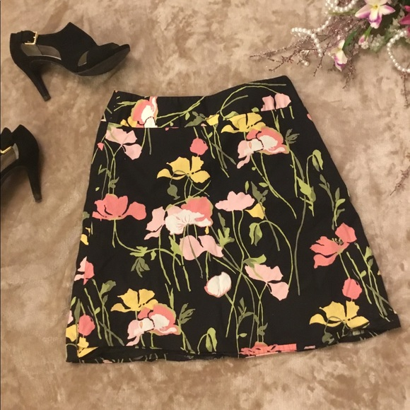 Rafaella Dresses & Skirts - Rafaella Floral Patterned Skirt 💜